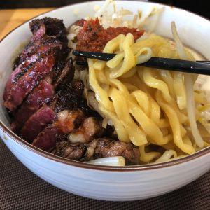 らーめん麺家又兵衛:名古屋市南区でステーキの乗ったラーメン