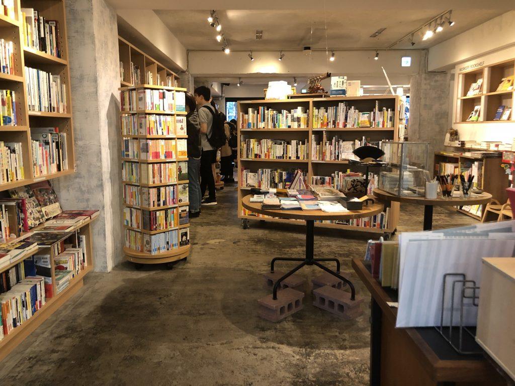 かもめブックス、神楽坂の本屋書店おしゃれカフェ