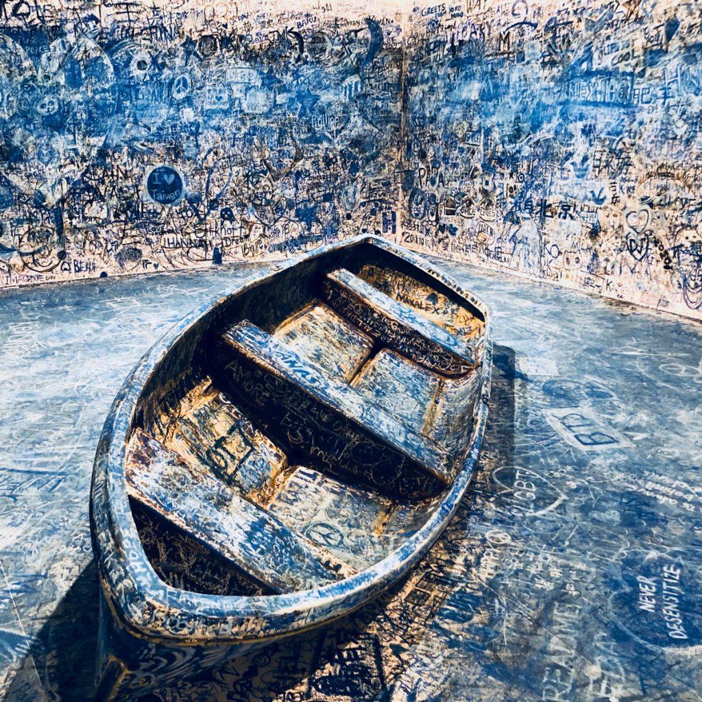 カタストロフと美術のちから展、オノ・ヨーコ《色を加えるペインティング(難民船)》