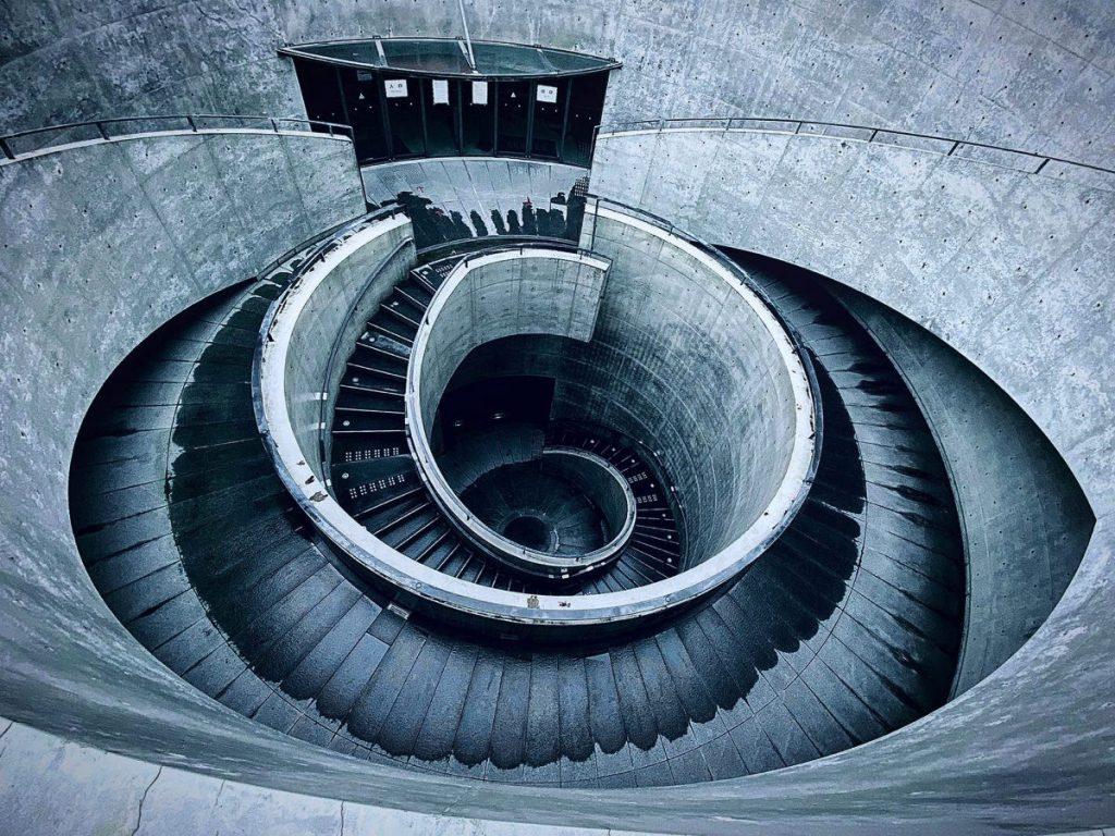 兵庫県立美術館、安藤忠雄の螺旋階段
